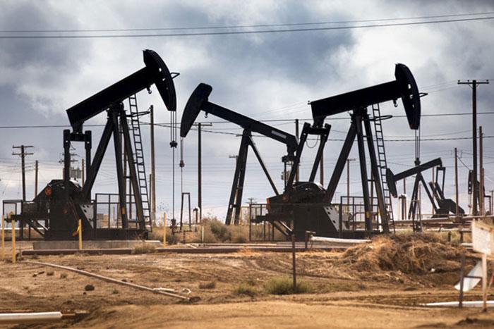После резкого подъема цены на нефть пошли на спад