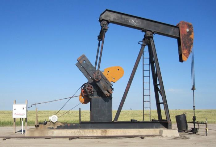 В последний день весны нефть Brent держится выше 50 долларов