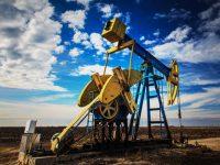 """ОПЕК предупреждает о """"сланцевой угрозе"""" для глобальной нефтяной сделки"""