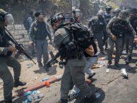 Палестинцы напали на еврейских верующих во время молитвы