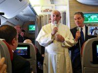 Папа Франциск: мир находится в шаге от ядерной войны