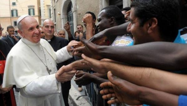 В Евросоюзе увеличивается количество мусульманских мигрантов, принимающих христианство
