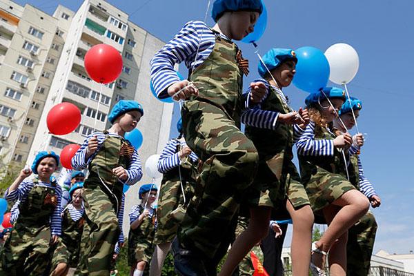 В Ростове-на-Дону прошел детский военный парад (фото)