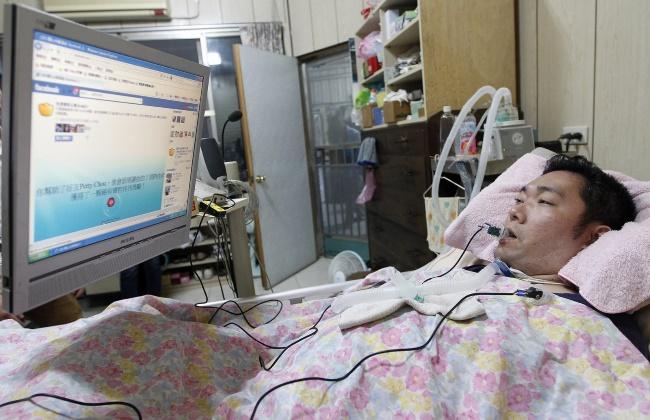 Парализованные пациенты смогут общаться с помощью компьютера