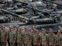 Пенсии для военных повысятся с января 2108 года, – Кабмин