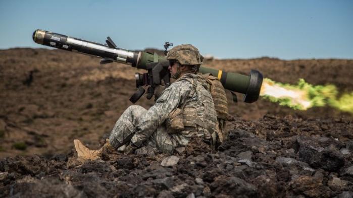 """Пентагон опасается, что ВСУ """"потеряют"""" переданное ей оружие и не разрешает отправлять его в зону АТО"""