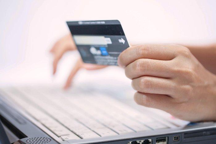 Сравнение платежных систем - Вебмани и Яндекс.Деньги