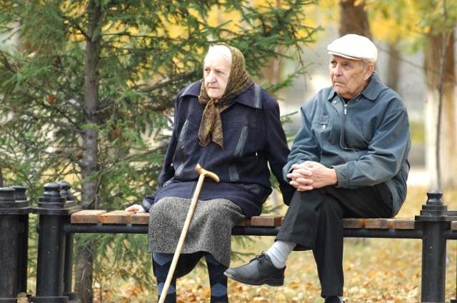 Пенсионер, пенсия, выплата пенсий, ЛНР, ДНР, перерасчет