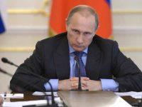 Почему Путин является заклятым врагом своей экономики, – Bloomberg