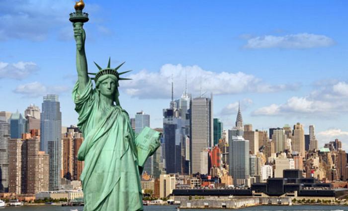 Пограничные службы США будут интересоваться Facebook и Twitter въезжающих иностранцев