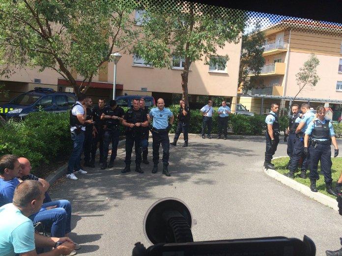 Евро-2016: российских футбольных болельщиков депортируют из Франции