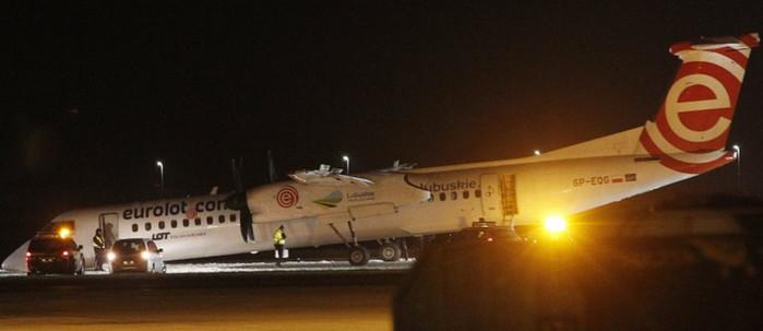 Польский самолет совершил аварийную посадку в Варшаве