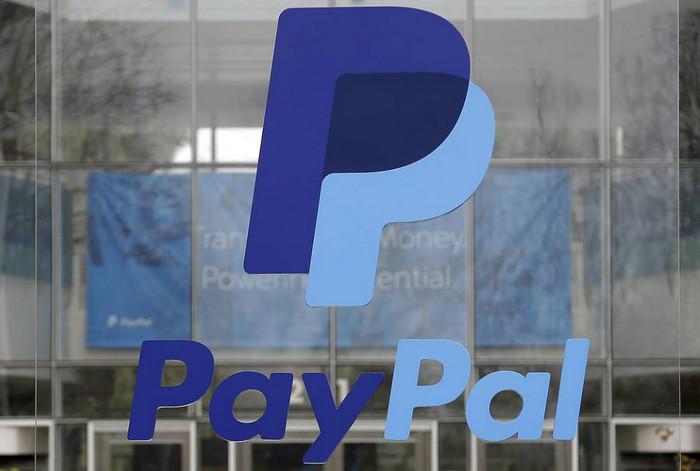 Пользователи Facebook Messenger смогут отправлять деньги с помощью PayPal