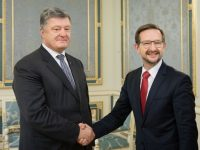 Порошенко и генсек ОБСЕ Гремингер обсудили введение миротворцев ООН в зону АТО