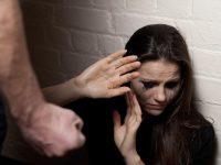 """Порошенко подписал закон""""О предотвращении и противодействии домашнему насилию"""""""