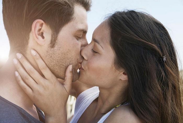 Как правильно целоваться с парнем, девушкой нежный поцелуй фото fdlx