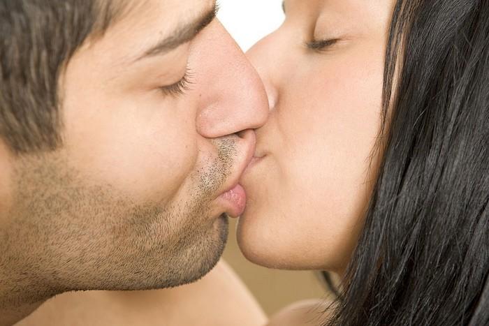 Как правильно целоваться с парнем, девушкой Французский поцелуй взасос фото fdlx