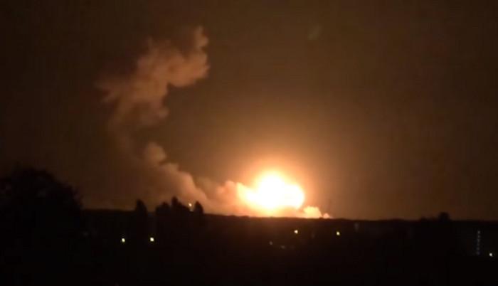 Пожар на военной базе в Калиновке: эвакуация и закрытое воздушное пространство (видео)