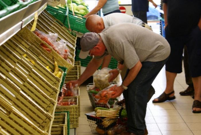 Правительство Германии исправляет доклад о бедности и богатстве в стране