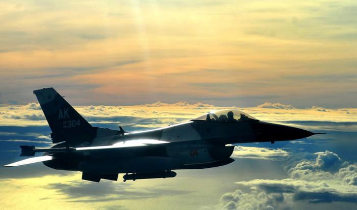 Правительство США может изменить планы на строительство самолетов F-16 в Индии