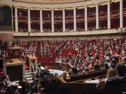 Новое правительство Франции уверило – политики «затягивания ремней» не будет