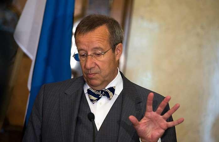 Президент Эстонии Тоомас Хендрик Ильвес предлагает Евросоюзу усилить санкции против России
