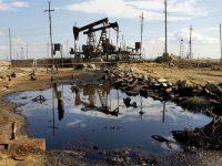 Президент Венесуэлы запретил нефтяным трейдерам расчеты в долларах