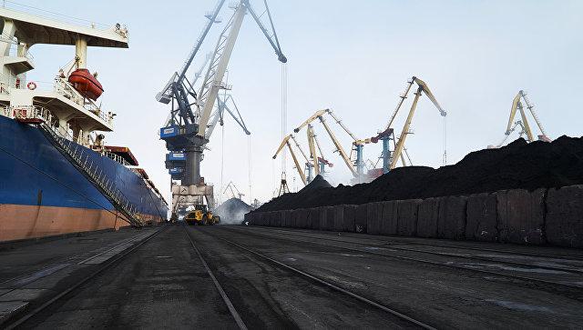 Прибыло восьмое судно с 75 тысячами тонн угля из ЮАР для ДТЭК Ахметова