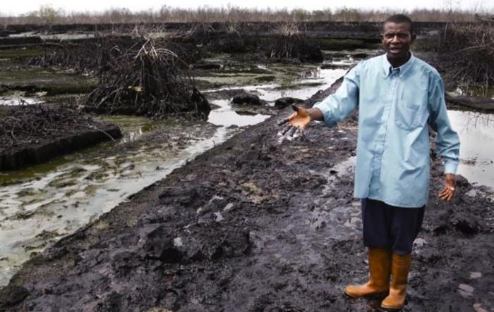 Протестующие штурмуют нефтепровод Shell в дельте реки Нигер