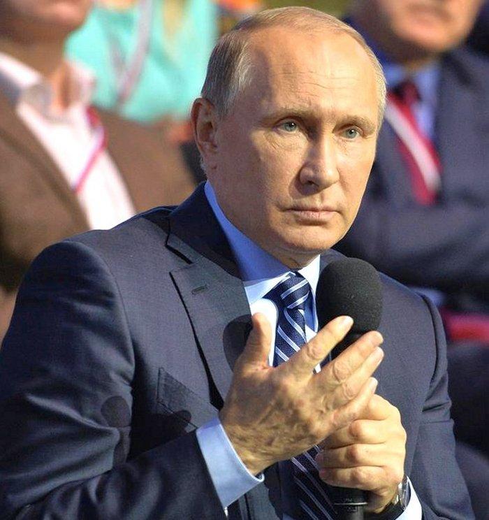 """Путин о продуктовом эмбарго: """"будем тянуть как можно дольше"""""""