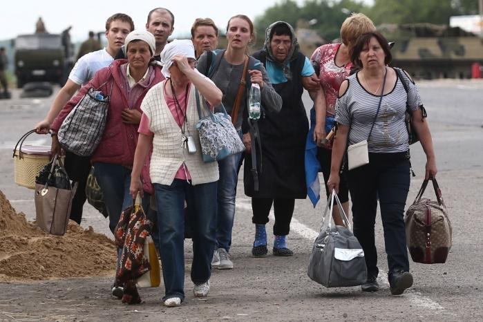 Путин выделил один рубль на беженца для возвращения в Донбасс