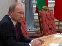"""После Януковича в Ростове Путин в Минске сломал ручку: """"Совпадение? Я так не думаю!"""""""