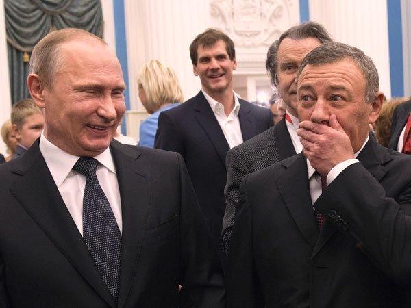 """Сколько потеряли """"друзья Путина"""" после аннексии Крыма и оккупации Донбасса"""