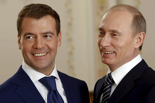 Несмотря упадок российской экономики официальные доходы Путина и Медведева удвоились