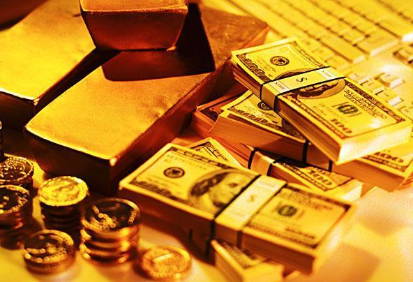 За месяц золотовалютные резервы России сократились на 4 миллиарда долларов