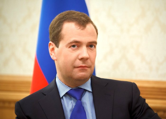 Россия сама себя кормит, - Дмитрий Медведев