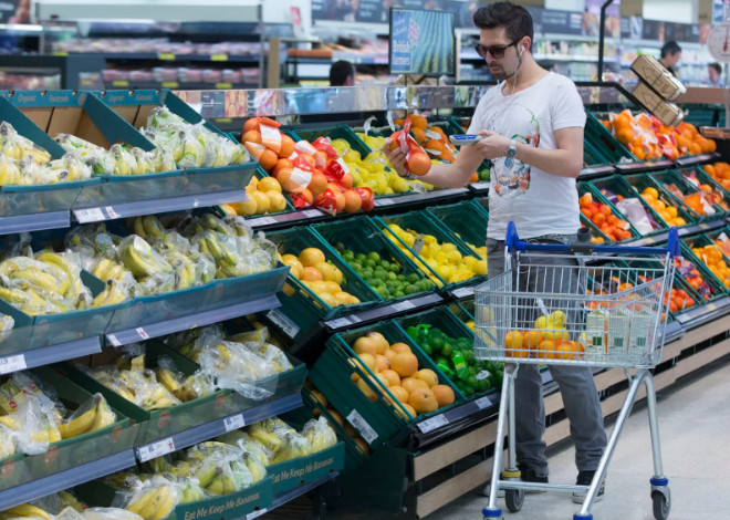 Рост инфляции заставил британских покупателей запасаться продуктами