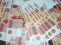 10 марта на Московской бирже рубль падает по отношению к доллару и евро