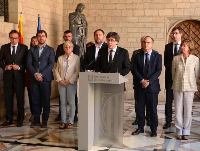 Руководство Каталонии фактически приостановлено правительством Испании