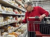 Вследствие политического положения России ее жители ограничивают себя в еде