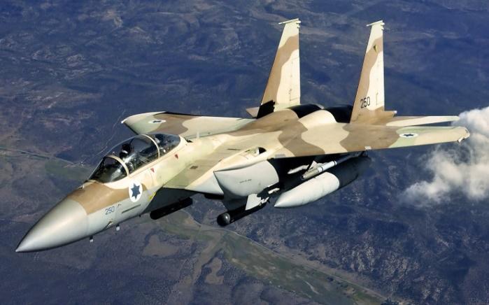 Самолеты Израиля атаковали четыре объекта ХАМАС в ответ на ракетный обстрел