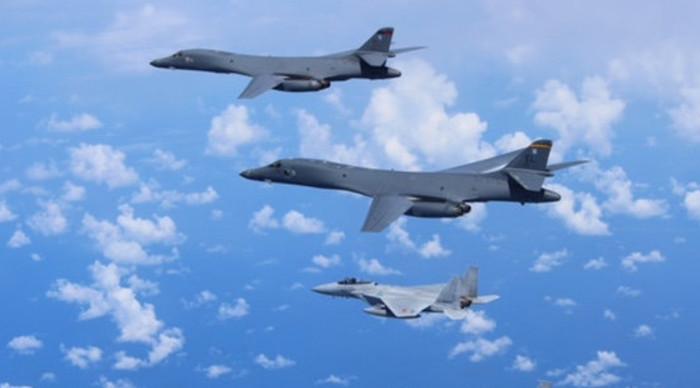 Самолеты разведчики США контролируют научные экспедиции в Тихом океане