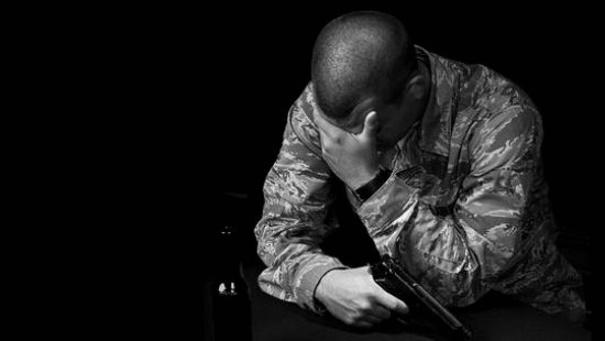 Суицид, самоубийство, военный, ветеран, военнослужащий, смерть, убийство