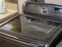 Samsung снова в центре скандала: компания отзывает 2,8 млн стиральных машин в США