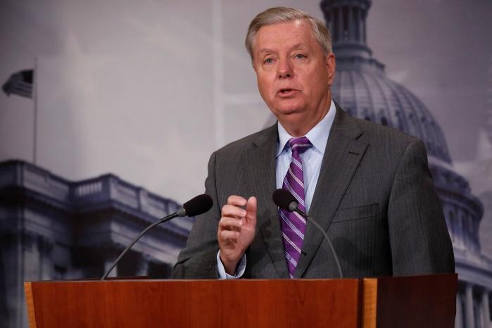 Сенатор призвал Белый дом вывезти семьи дипломатов из Южной Кореи