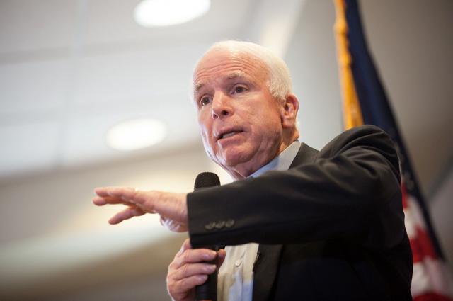 Сенаторы снова обвиняют Трампа в невыполнении закона о санкциях против России