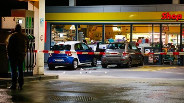 Швейцария: подросток с топором напал на прохожих