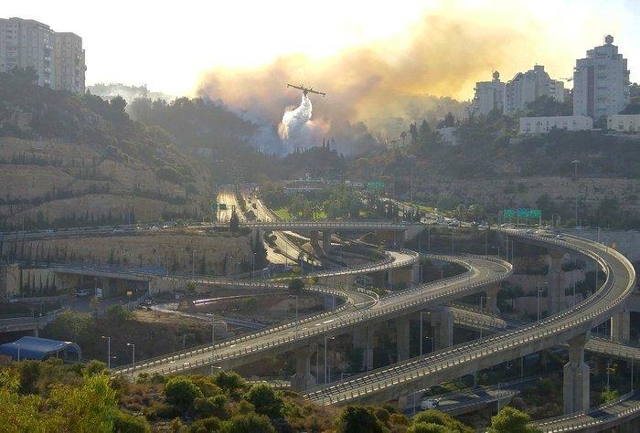Сильнейшие пожары в Хайфе: хронология событий (фото, видео)