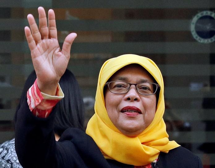 Сингапур: президентом страны впервые избрали женщину