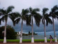 Синоптики США предсказывают от двух до пяти крупных ураганов до конца года